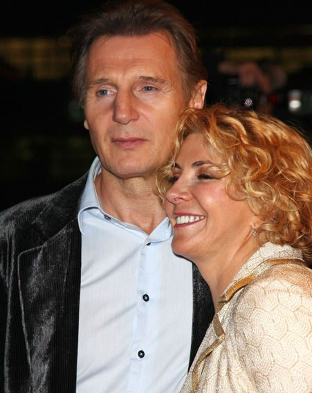 Video natasha clings on to life for Natasha richardson liam neeson wedding