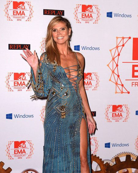 Heidi Klum arrived at the MTV EMAs 2012 in a revealing Versace gown