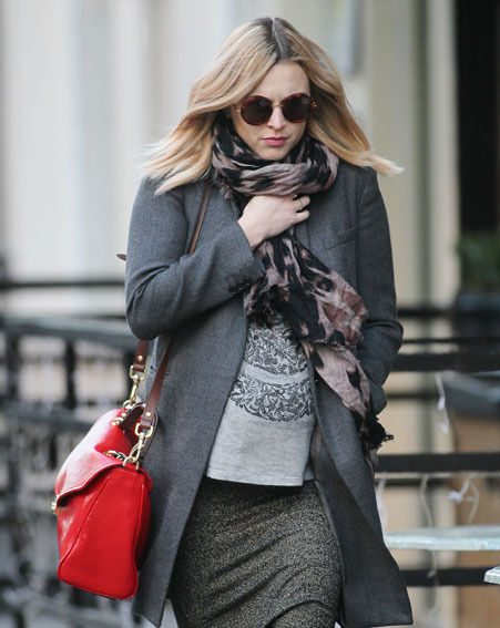 Fearne Cotton and her baby bump braved the chilly weather as she headed to the Radio 1 studios today