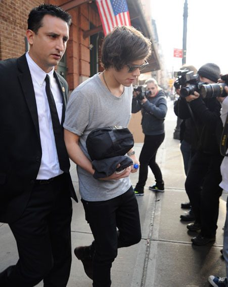 Harry Styles was spotted leaving Taylor Swift's hotel this morning