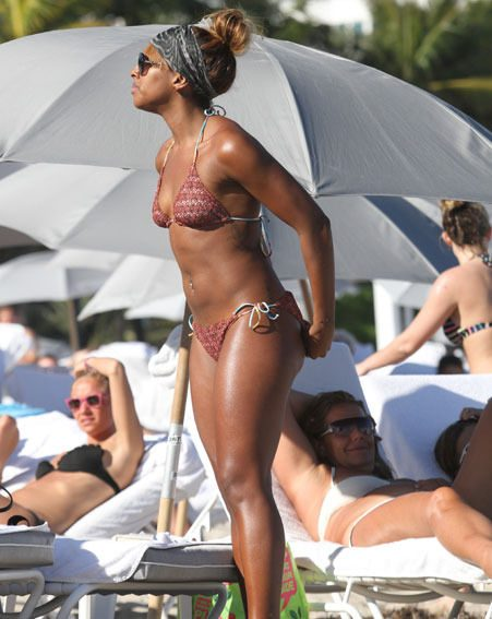 Alexandra Burke soaked up the Florida sunshine with her pals