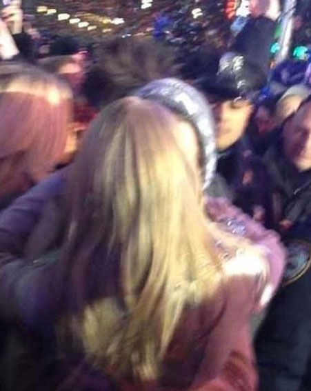 Harry Styles and Taylor Swift were totally loved up on New Year's Eve