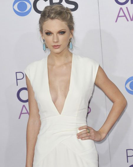 Taylor Swift looked stunning at the People's Choice Awards 2013 last night