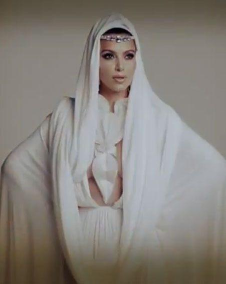 Kim Kardashian looked ultra-glamorous at her latest Arabian photo shoot