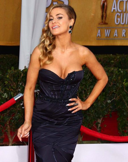 Carmen Electra narrowly avoided a nipple slip at the Screen Actors Guild Awards last night