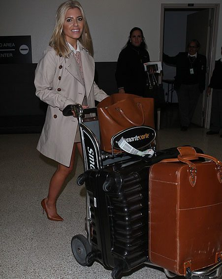 The singer arrived in LA without her other Saturday girls