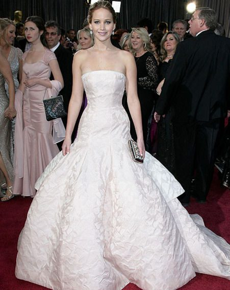 Jennifer Lawrence looked stunning in her flowing Dior gown